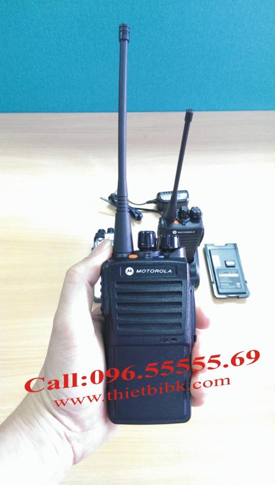 Máy Bộ đàm Motorola GP 1100plus dùng cho khu công nghiệp