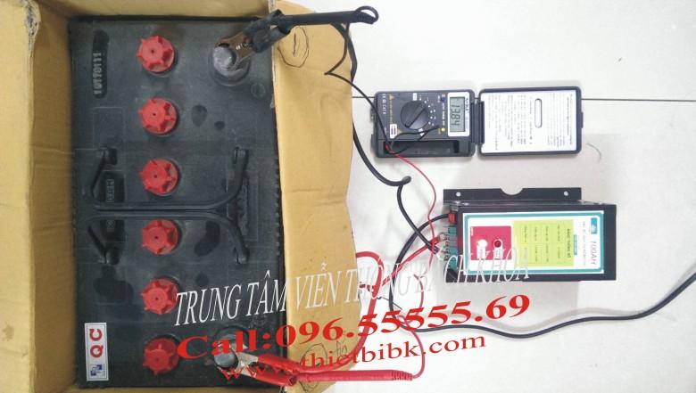 Máy sạc acquy tự động Hitech 12v-100Ah sạc acquy 75Ah đã đầy điện