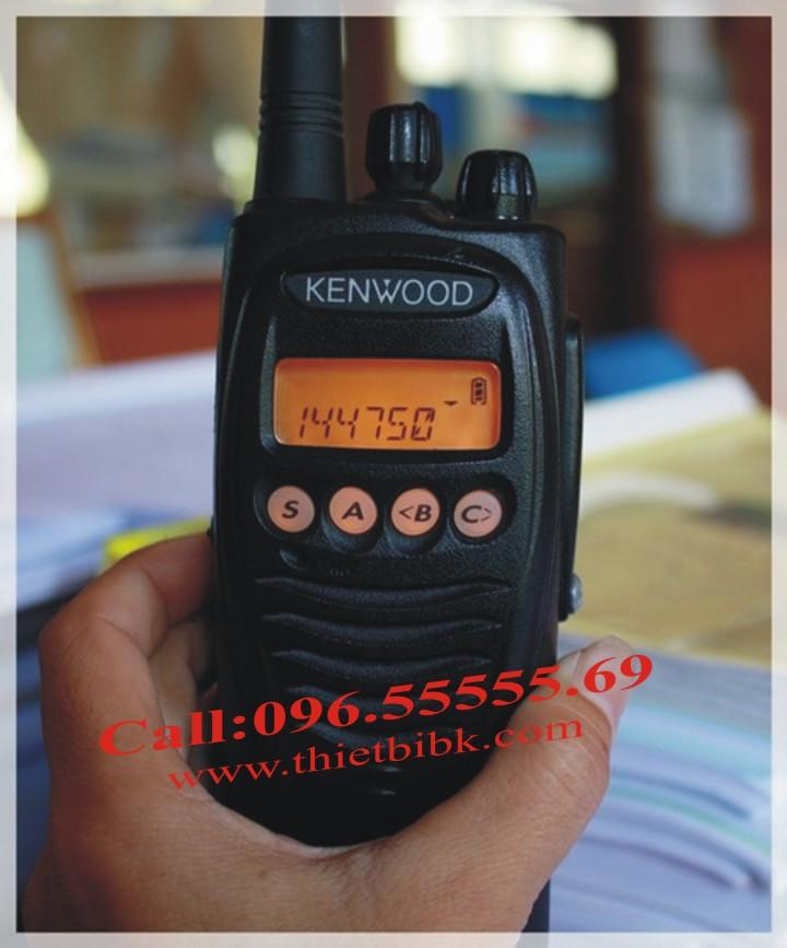 Máy bộ đàm Kenwood TK-2212 VHF dùng cho khu công nghiệp