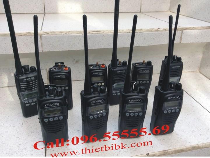 Máy bộ đàm Kenwood TK-2212 VHF liên lạc trong khu du lịch