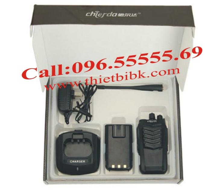 Máy bộ đàm Chierda CD-K18 VHF và phụ kiện đi cùng