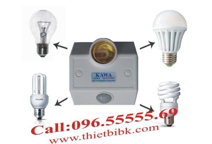 Đui đèn cảm ứng gắn tường Kawa SS68B lắp với các loại bóng đèn đui xoáy E27