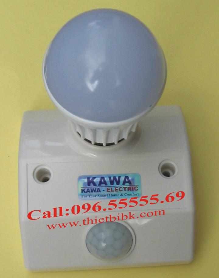 Đui đèn cảm ứng gắn tường Kawa SS68B lắp bóng đèn led đui soáy E27