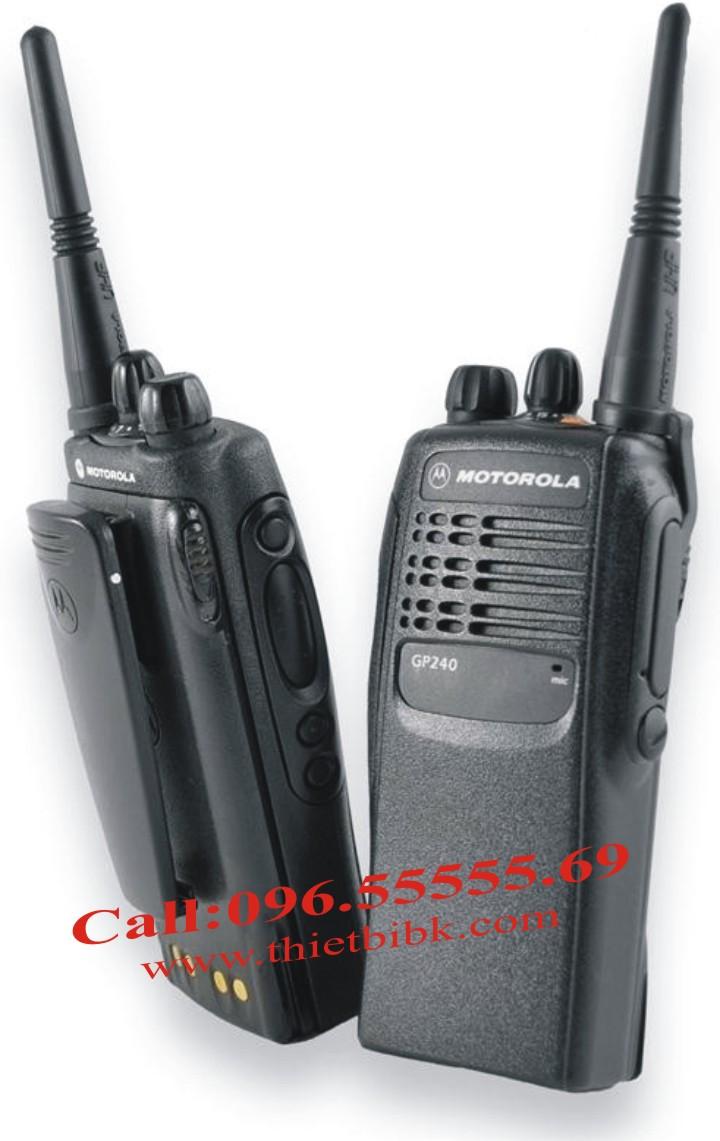Bộ đàm Motorola GP240 có tính năng tương tự Bộ đàm Motorola GP328