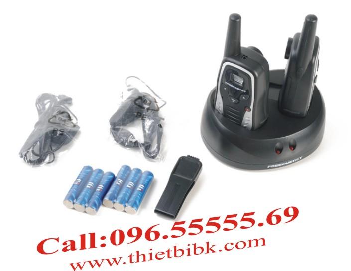 Trọn bộ Bộ đàm TTI PRM-121TX: Pin, sạc, anten, móc cài.