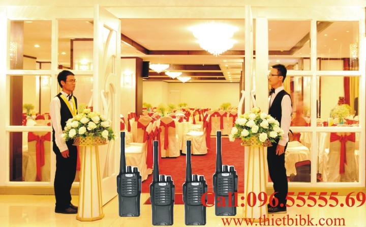 Bộ đàm cầm tay FEIDAXIN FD-99 nhỏ gọn, dùng cho nhà hàng, quán bar