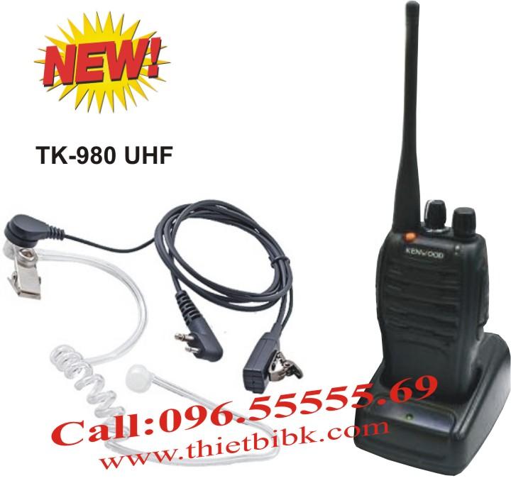 Bộ đàm cầm tay Kenwood TK-3207GS Alarms dùng cho khách sạn