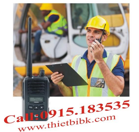 Bộ đàm chống nước TTI TX-130U- Sử dụng phù hợp ở công trường xây dựng, bảo vệ, nhà máy, nhà hàng….